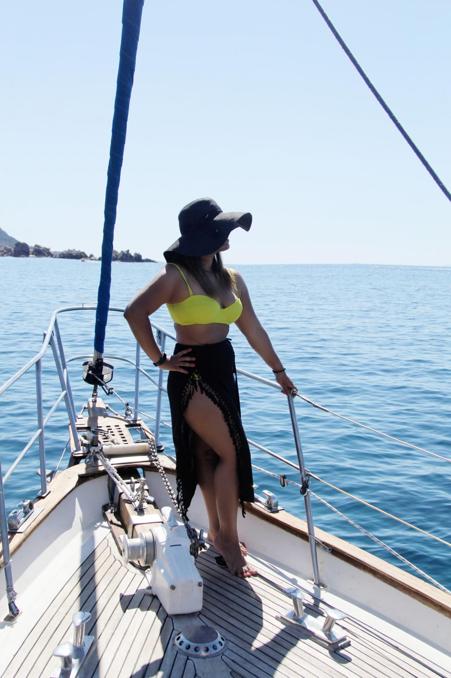 Blue waters and a yellow bikini | My summer holiday in Sardinia