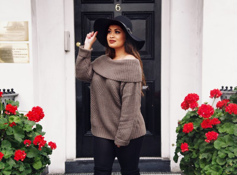 How to wear an oversized sweater when you're petite